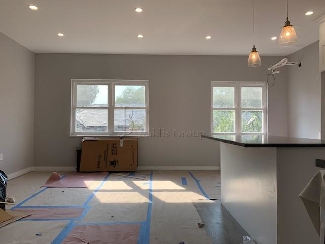 2 Bedrooms, Astoria Heights Rental in NYC for $3,000 - Photo 2