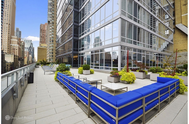 1 Bedroom, Theater District Rental in NYC for $4,980 - Photo 2