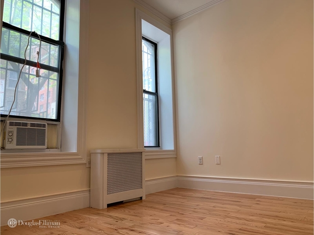 2 Bedrooms, Rose Hill Rental in NYC for $4,025 - Photo 2
