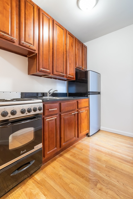 1 Bedroom, SoHo Rental in NYC for $2,636 - Photo 2