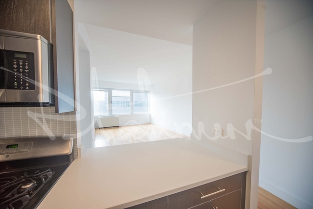 Studio, Financial District Rental in NYC for $3,215 - Photo 2
