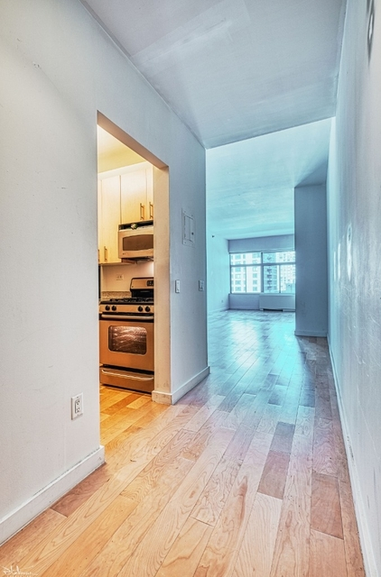 Studio, Financial District Rental in NYC for $2,479 - Photo 2