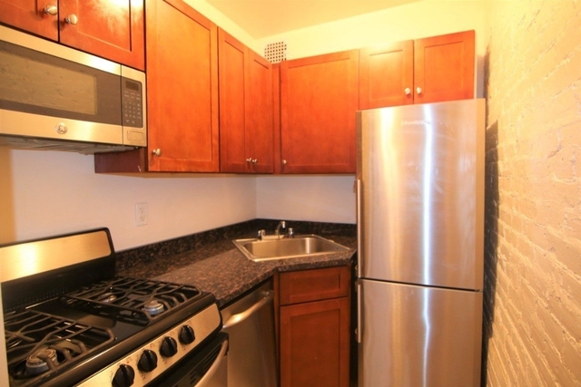 Studio, Hell's Kitchen Rental in NYC for $2,220 - Photo 2