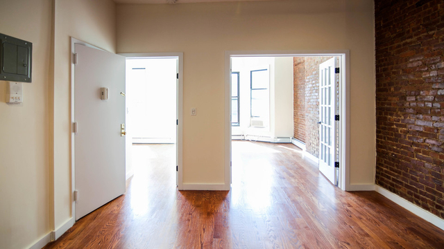 2 Bedrooms, Crown Heights Rental in NYC for $2,570 - Photo 1