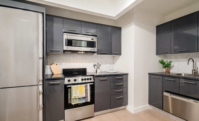 Studio, Financial District Rental in NYC for $2,955 - Photo 2