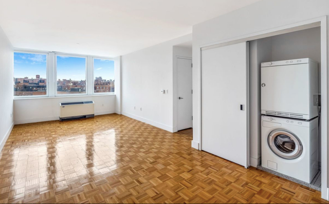 2 Bedrooms, Rego Park Rental in NYC for $3,034 - Photo 1