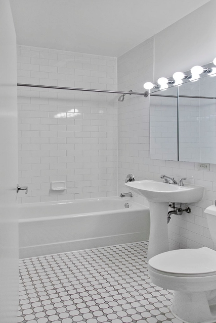 Studio, Financial District Rental in NYC for $4,025 - Photo 2