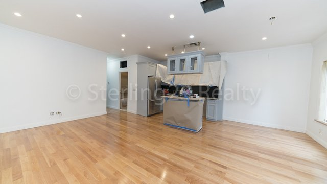 3 Bedrooms, Steinway Rental in NYC for $3,500 - Photo 2