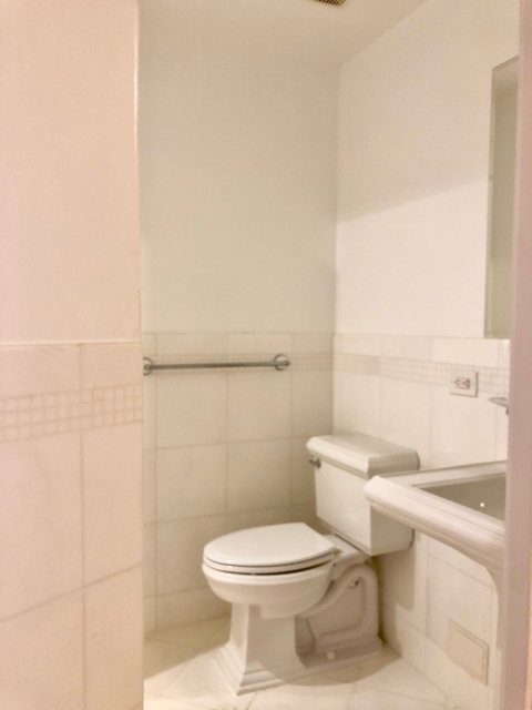2 Bedrooms, Upper West Side Rental in NYC for $6,350 - Photo 2