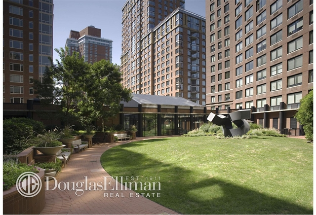 1 Bedroom, Battery Park City Rental in NYC for $5,555 - Photo 2
