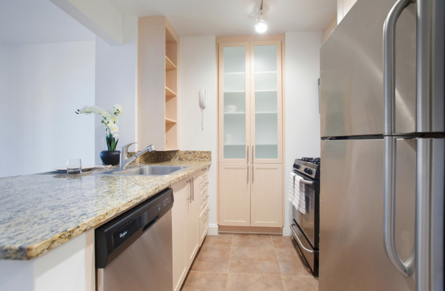 Studio, Financial District Rental in NYC for $3,252 - Photo 2