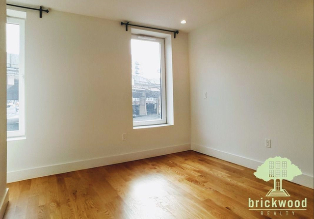 Room, Williamsburg Rental in NYC for $1,350 - Photo 2