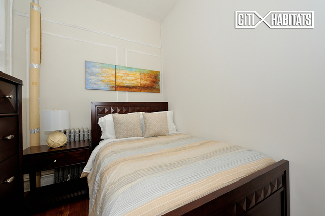 3 Bedrooms, Turtle Bay Rental in NYC for $4,995 - Photo 2