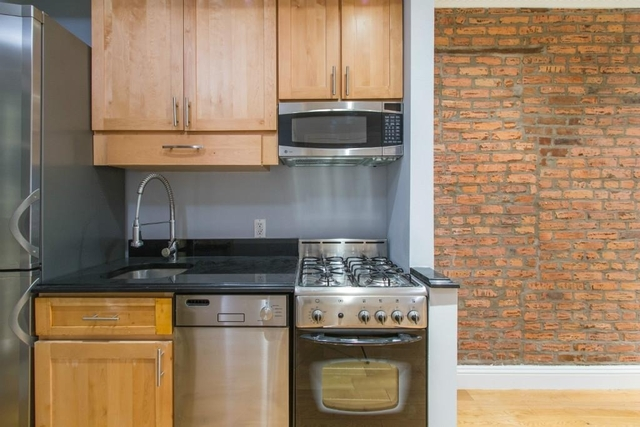 2 Bedrooms, Alphabet City Rental in NYC for $4,695 - Photo 1