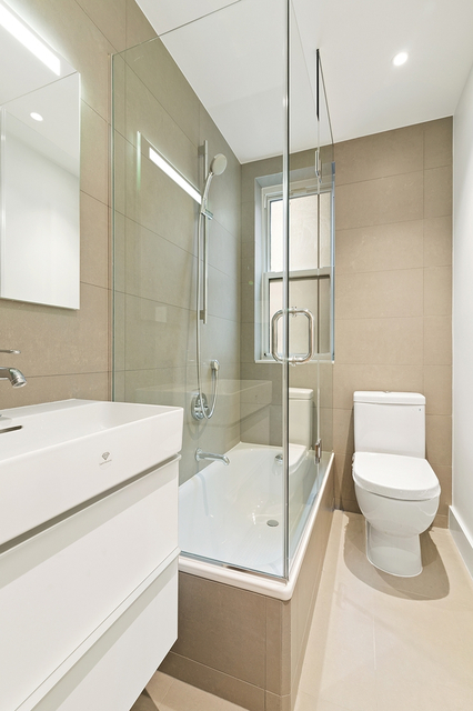 2 Bedrooms, Upper West Side Rental in NYC for $5,250 - Photo 2