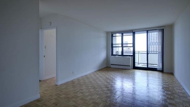 2 Bedrooms, Yorkville Rental in NYC for $5,701 - Photo 1
