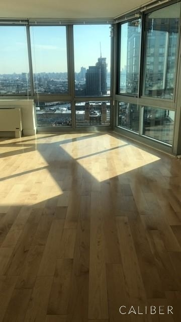 1 Bedroom, Hunters Point Rental in NYC for $3,700 - Photo 2