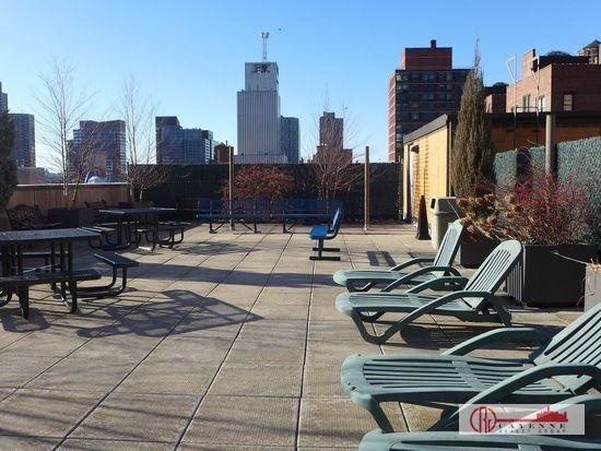 3 Bedrooms, Hell's Kitchen Rental in NYC for $4,850 - Photo 2