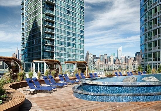 Studio, Hunters Point Rental in NYC for $2,455 - Photo 1