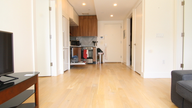 2 Bedrooms, Williamsburg Rental in NYC for $3,699 - Photo 2