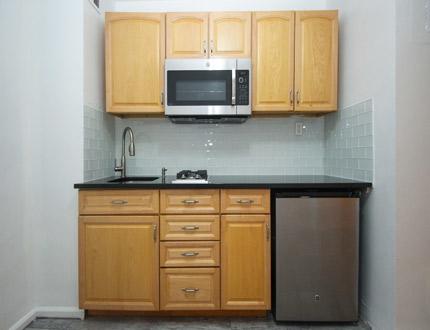 1 Bedroom, Astoria Rental in NYC for $1,820 - Photo 2