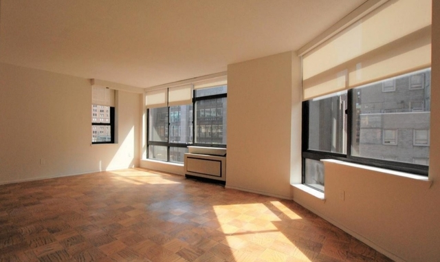 2 Bedrooms, Turtle Bay Rental in NYC for $5,750 - Photo 2