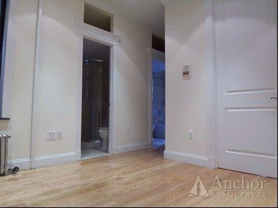 3 Bedrooms, Gramercy Park Rental in NYC for $5,745 - Photo 2