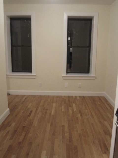 3 Bedrooms, Yorkville Rental in NYC for $3,195 - Photo 2