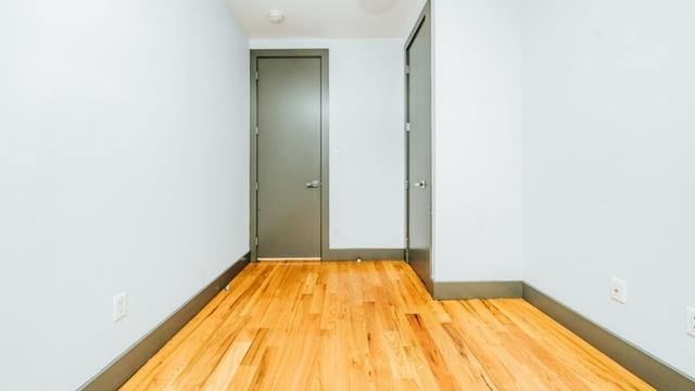 5 Bedrooms, Ridgewood Rental in NYC for $3,999 - Photo 2