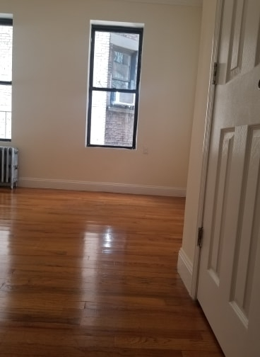 2 Bedrooms, Murray Hill Rental in NYC for $2,500 - Photo 2