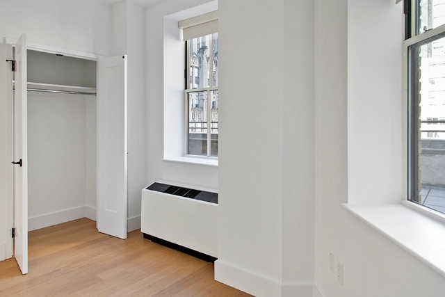 3 Bedrooms, Financial District Rental in NYC for $6,522 - Photo 2