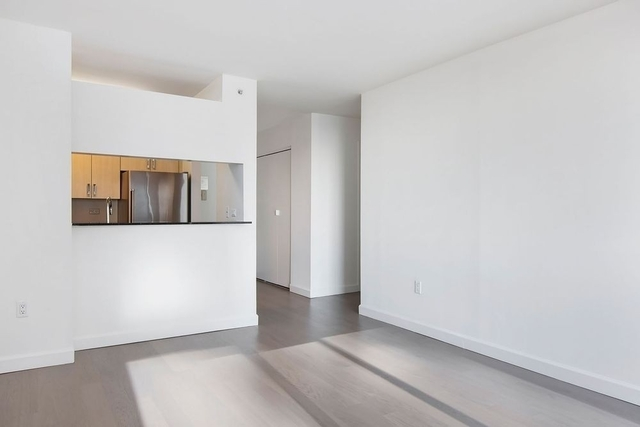 1 Bedroom, Hell's Kitchen Rental in NYC for $3,465 - Photo 2