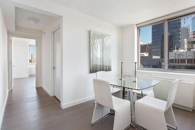 3 Bedrooms, Hell's Kitchen Rental in NYC for $5,815 - Photo 2
