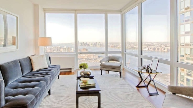 2 Bedrooms, Hell's Kitchen Rental in NYC for $4,975 - Photo 1