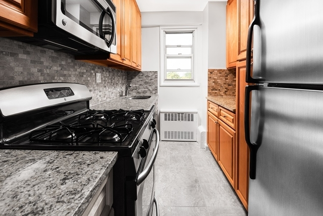 1 Bedroom, Brighton Beach Rental in NYC for $2,199 - Photo 1
