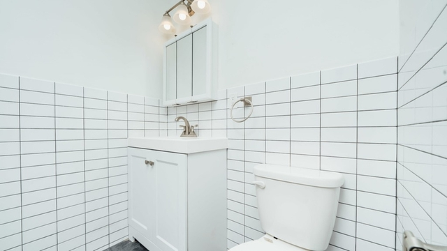 3 Bedrooms, Bushwick Rental in NYC for $2,745 - Photo 2