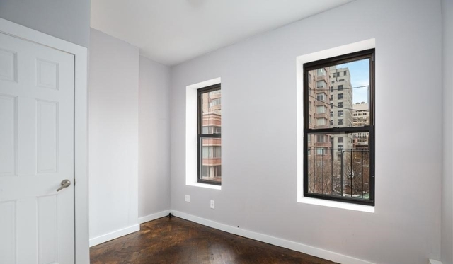 2 Bedrooms, Hell's Kitchen Rental in NYC for $3,117 - Photo 2
