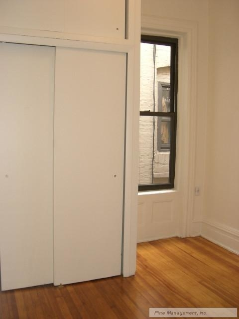 2 Bedrooms, Upper West Side Rental in NYC for $3,475 - Photo 2
