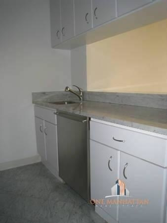 1 Bedroom, Lincoln Square Rental in NYC for $3,800 - Photo 2