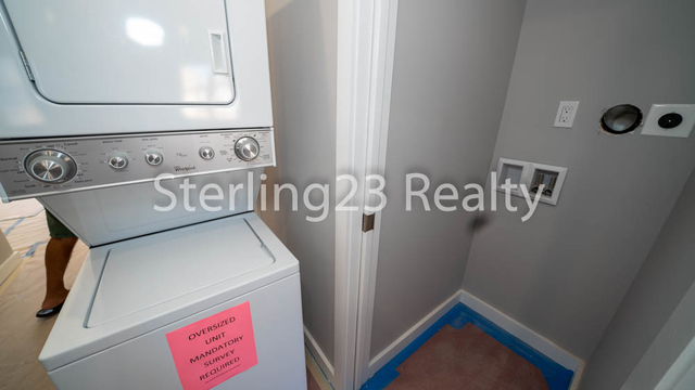 2 Bedrooms, Astoria Heights Rental in NYC for $2,750 - Photo 2