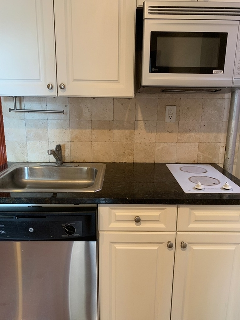 1 Bedroom, East Village Rental in NYC for $3,125 - Photo 2