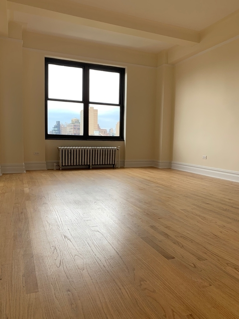 Studio, East Village Rental in NYC for $3,245 - Photo 2