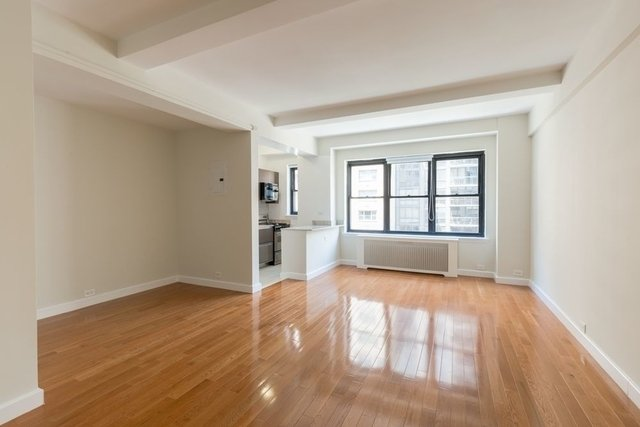 Studio, Yorkville Rental in NYC for $3,020 - Photo 2