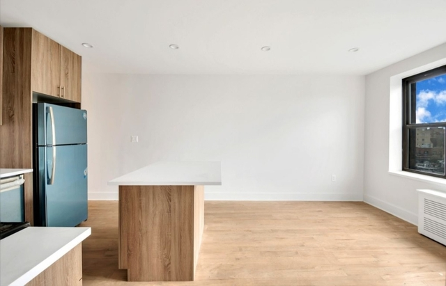 3 Bedrooms, Jackson Heights Rental in NYC for $2,830 - Photo 1