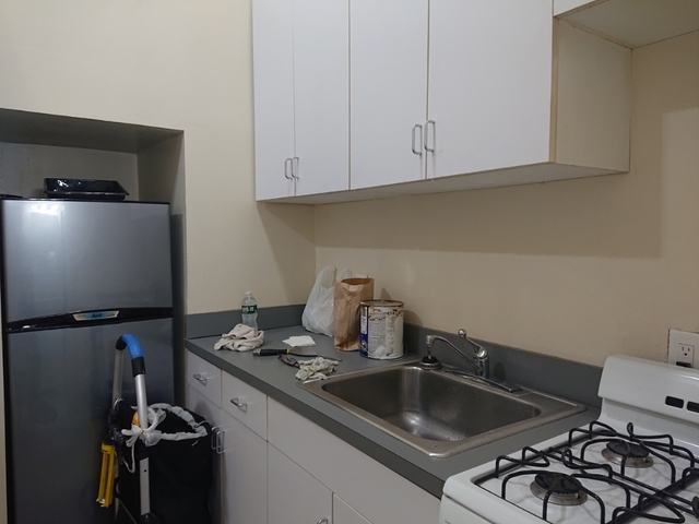 1 Bedroom, Chelsea Rental in NYC for $2,475 - Photo 2