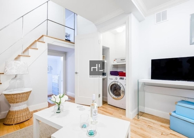 2 Bedrooms, Gramercy Park Rental in NYC for $4,825 - Photo 2
