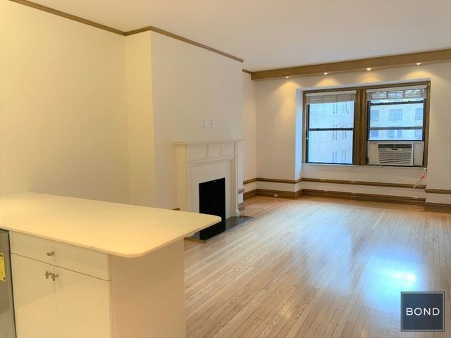 Studio, Theater District Rental in NYC for $3,475 - Photo 2