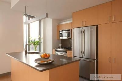 2 Bedrooms, Financial District Rental in NYC for $6,000 - Photo 2