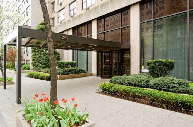 1 Bedroom, Turtle Bay Rental in NYC for $3,204 - Photo 1