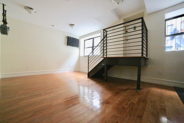 2 Bedrooms, Washington Heights Rental in NYC for $2,895 - Photo 1